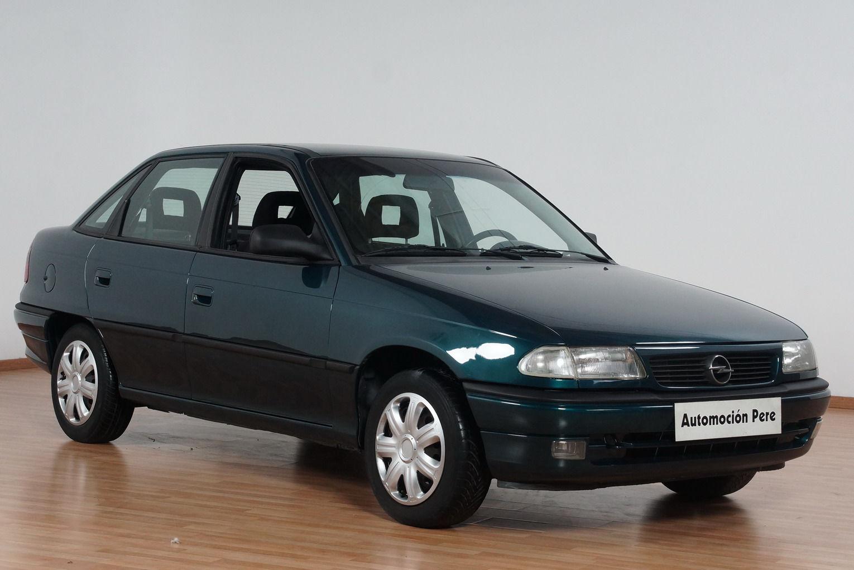 Opel Astra 1.7 TD 80 CV Merit