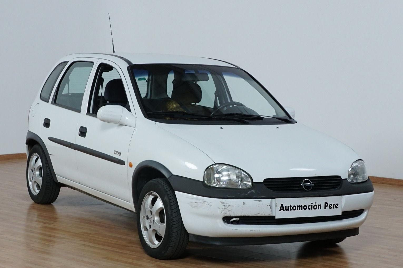 Opel Corsa 1.2i 16V Edition 2000.