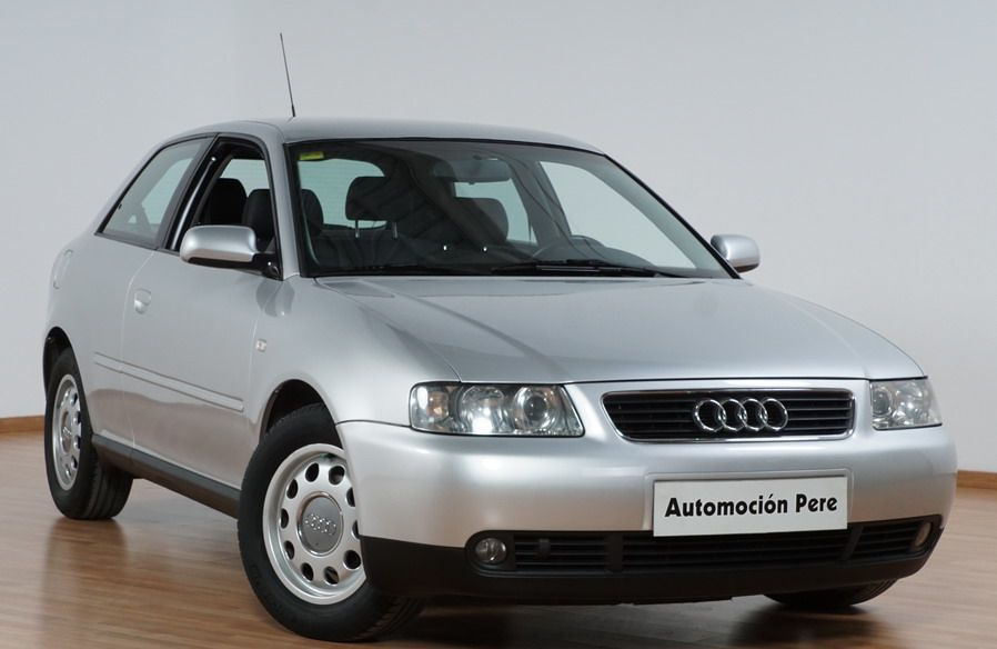 Audi A3 1.6i Attraction.