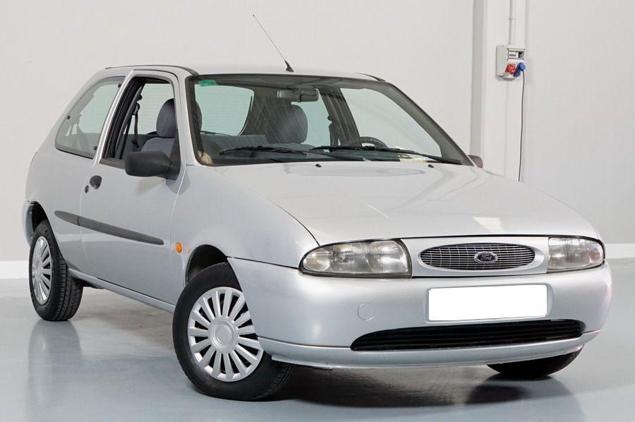 Ford Fiesta 1.8 Diesel 60 CV. Económico, Revisado y con 12 Meses de Garantía.