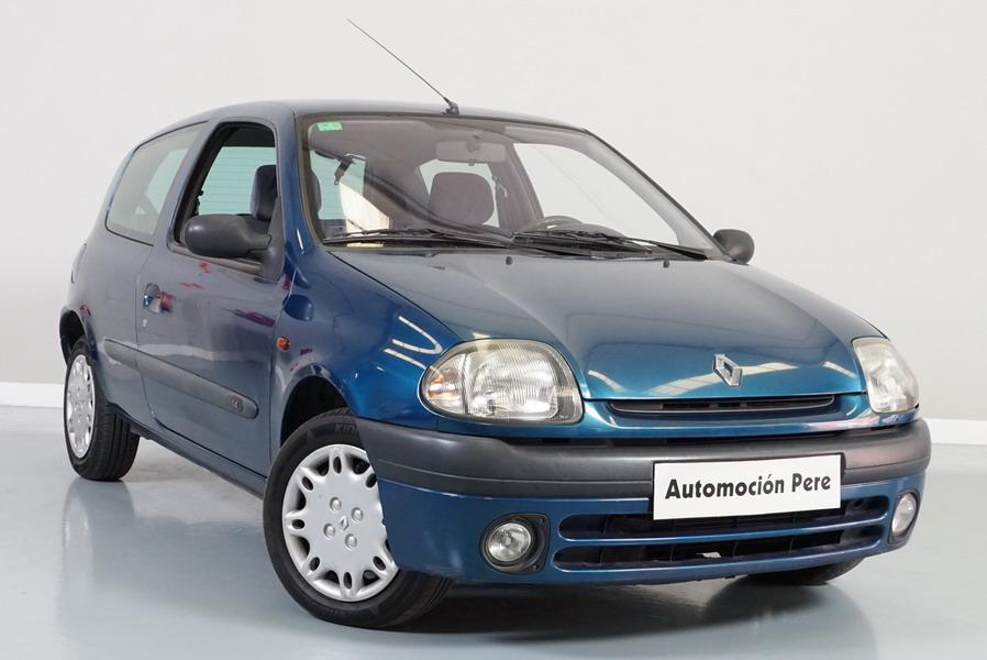 Renault Clio 1.4i 75 CV Alizé. 1 Sola Propietaria. Pocos Kms. Económico y con Garantía 12 Meses.