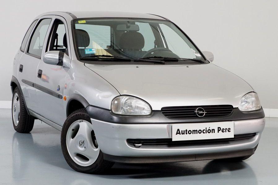 Opel Corsa 1.4 World Cup. Solo 23.000 Kms. 1 Propietario. Económico y Garantía 12 Meses!!!