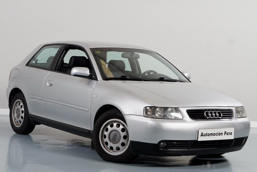 Audi A3 1.8i 125 CV Automático. Attraction. Nacional. 1 Solo Propietario.