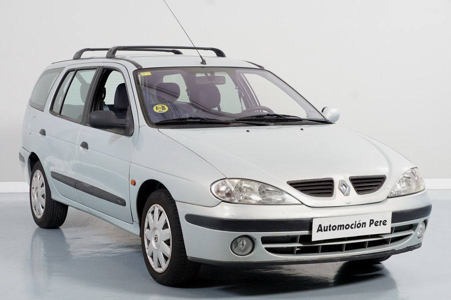 Renault Megane Break 1.6i 110 CV Century. Solo 37.998 Kms. 1 Propietario. Revisado y Garantía 12 Meses.