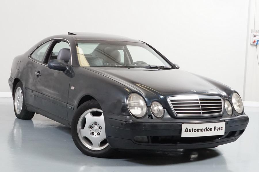Mercedes CLK 230 Kompressor Elegance Automático, Cuero, Xenón, Techo Solar, PDC x 2. OJO!! Con Daños. Mirar Bien las Fotos.