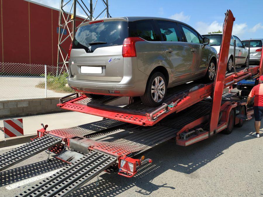 Nueva Recepción: Peugeot 5008 1.6 HDi 110 CV Sport Pack. Pocos Kms. Revisiones Oficiales. Única Propietario.