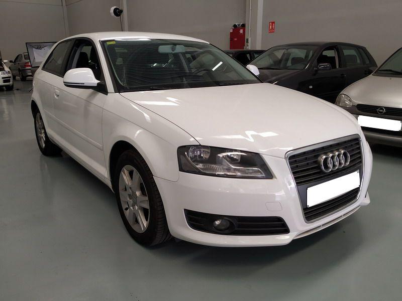 Nueva Recepción: Audi A3 1.6 TDi 105 CV Attraction. Pocos Kms. Revisiones Selladas.