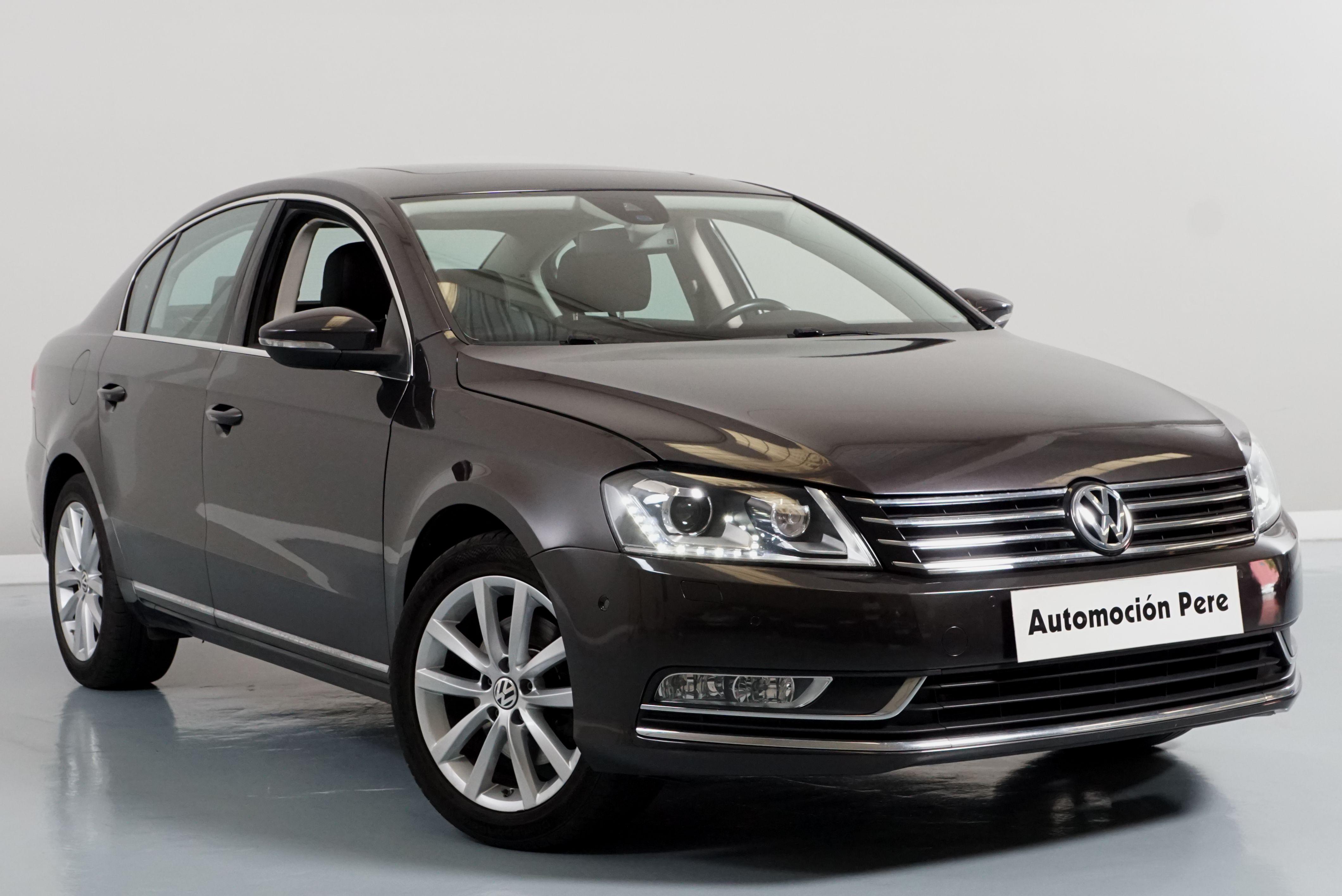 Volkswagen Passat 2.0 TDI 140CV 6 Vel. Highline BlueMotion. Pocos Kms, Revisiones Selladas. Equipado!