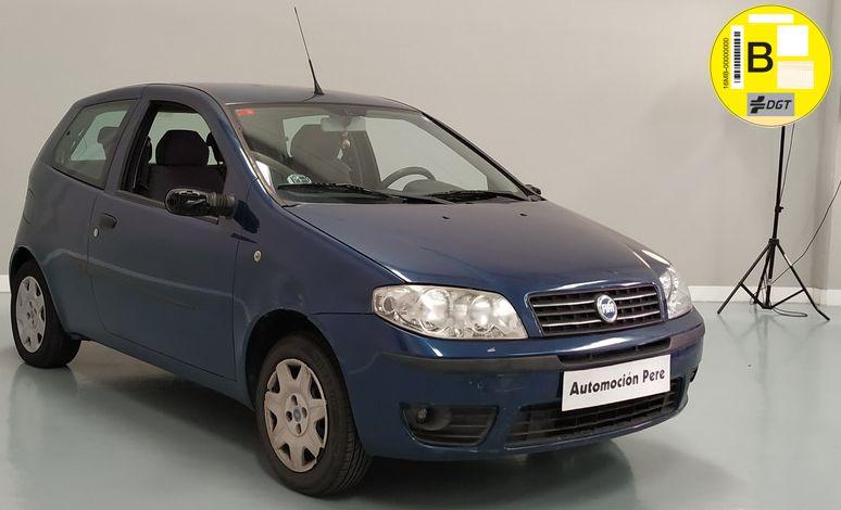 Nueva Recepción:  Fiat Punto 1.2i 60 CV Dynamic. 1 Solo Propietario. Económico. Pocos Kms. Revisiones Selladas y Garantía 12 Meses.